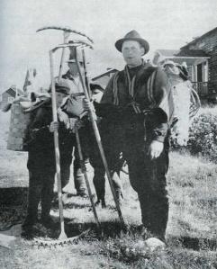 På väg ut på slåtter. © Norrbottens museum
