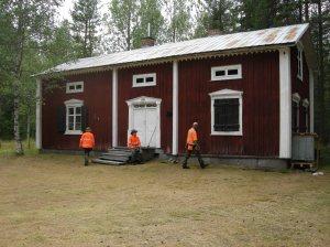 Äldre boningshus inom registrerad bytom/gårdstomt som kallas för Gråberget/Kalma. Gården ligger inom 2013 års utredningsområde i Markbygden. © Norrbottens museum, acc nr 2013_52_44