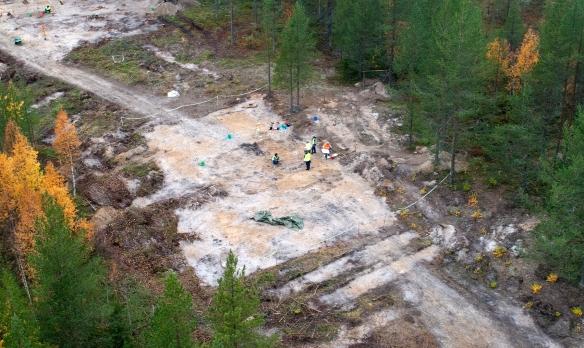 Lokal 7, Haparandabanan. Ett flygfotografi kan ge en bättre förståelse av utgrävningsområdet, men ser förhållanden som eljest kan vara svåra att uppfatta från markperspektivet.  Foto: Staffan Nygren © Norrbottens museums bildarkiv.