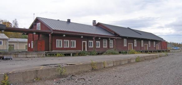 Som ni nog kan se på denna bild, så har Godsmagasinet byggts ut i många omgångar under sina 113 år i livet. Foto: Jennie Björklund © Norrbottens museum