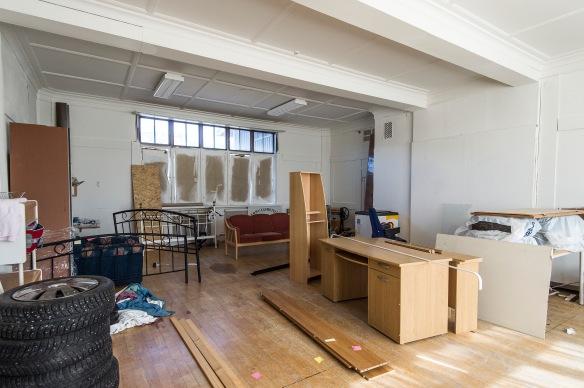 Rummet som byggdes för att vara III-klassens matsal, är idag avstannat mitt i en renovering. Foto: Daryoush Tahmasebi © Norrbottens museum