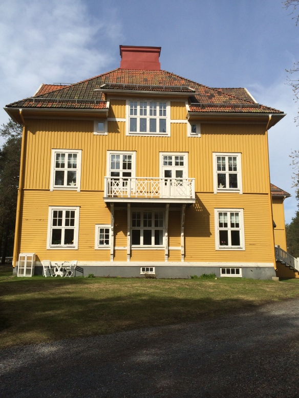 Byggnadens östra fasad - ut mot Karlsviksvägen. Foto: Jennie Björklund © Norrbottens museum