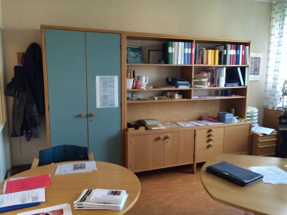 Ett av de fåtal kontor med originalmöbler kvar.  Foto: Jennie Björklund © Norrbottens museum