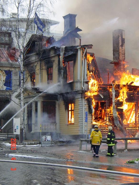 Luleå folkets hus brinner