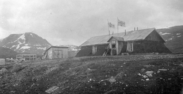 Frys ihjäl, då byggnaden användes av STF. Foto okänd 1904.