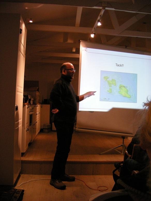Michel Guinard föreläste både på seminariet hos SAU och i Blankaholm. Här sent på kvällen i Blankaholm. Foto: Olof Östlund