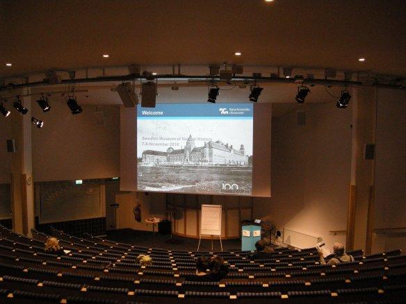 Föreläsningssalen på Naturhistoriska riksmuseet gapar tom när det är fikarast. Foto: Olof Östlund