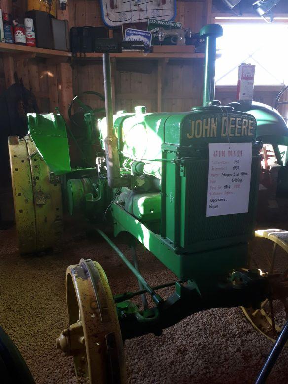 John Deere traktor